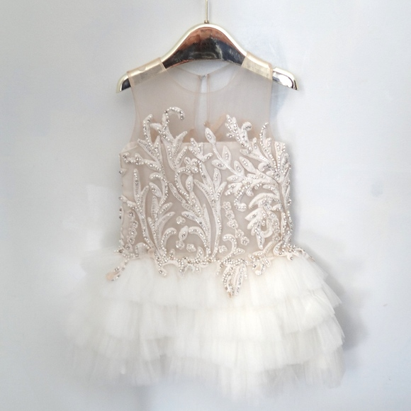 NWT 2T or 4T Girls Disney Minnie Mouse Shiny Glitter Gold /& Ivory Dress